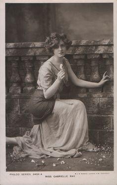 gabrielle-ray-philco-3404-a-1907.jpg (684×1078)