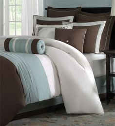 Such a relaxing color pallet. This is what a master bedroom should look and feel like.