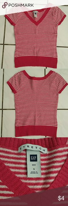 Knit tops Condition: good. Length = 51cm. Bust = 35.5 cm 58% cotton, 32% acrylic, 8% nylon, 2% lycra. Great for spring and winter, will keep you warm. GAP Sweaters V-Necks