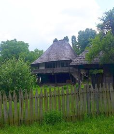 Old Houses, Romania, Interior Architecture, Gazebo, Places To Visit, Outdoor Structures, Traditional, House Styles, Design