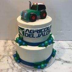 Tarta buttercream maquinaria agrícola. Tractors, Cake, Desserts, Food, Themed Cakes, Creativity, Tailgate Desserts, Deserts, Kuchen