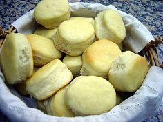Ingredientes: 200 cc de agua 10 g de sal 70 g de manteca 1 cucharadita de extracto de malta 20 g de levadura 500 g de harina 000 Preparación...