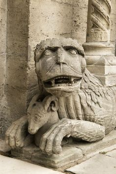 Gothic cathedral Koenigsluter Gothic Cathedral, Sri Lanka, Buddha, Lion Sculpture, Statue, Rock, Travel Photos, Art, Fotografia