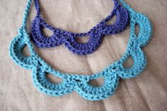 Crochet scalloped necklace, would also make a nice edging. Free pattern by Daycraft.