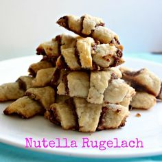 Nutella Rugelach- a twist on the classic Jewish pastry cookies with lots of sweet and nutty Nutella! Rugelach Cookies, Rugelach Recipe, Jewish Desserts, Jewish Recipes, Jewish Food, Comida Kosher, Kosher Food, Hanukkah Food, Hannukah