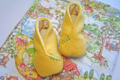 These adorable felt baby booties are easy to make and so cute. They make a great project and an even sweeter gift.