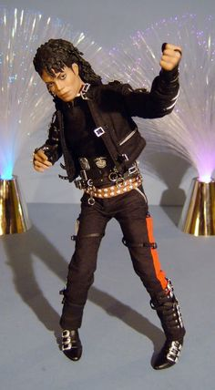 Hot toys michael jackson bad sixth scale action figure for Three jackson toy