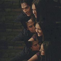 Vampire Diaries -Delena. This makes my heart happy.