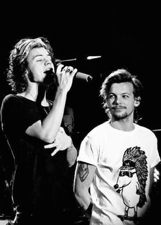 I: Even as young as you are? [Louis and Harry look at each other] Louis/Harry: Yes. I: Even as young as you are? [Louis and Harry look at each other] Louis/Harry: Yes. One Direction Fotos, Four One Direction, One Direction Pictures, Larry Stylinson, Foto One, Larry Shippers, Harry 1d, Louis Tomilson, Harry Styles Pictures