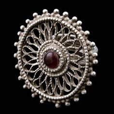 India | Silver and red glass cabochon ring from Rajasthan | Circa Early 20th Century | 180£