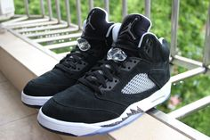 Air Jordan Retro 5 Oreo, 136027-035, sample shoes, no toe cap wire yet.
