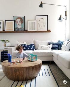 ea385c2ae5ec In Erin Conway ( kismet house) s living room