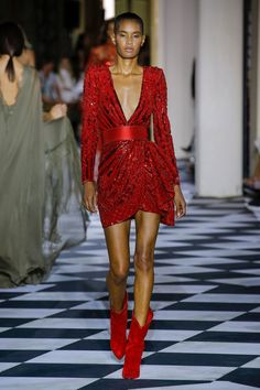 613e11dcf2d8 Zuhair Murad Fall 2018 Couture Fashion Show Collection  See the complete  Zuhair Murad Fall 2018
