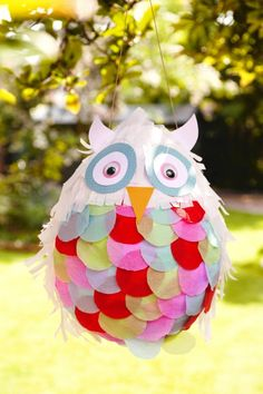 the Owl Pinata This Owl Pinata makes a great Mexican-inspired party game for kids. A pinata is fab for adding entertainment to children's. Adult Halloween Party, Halloween Games, Halloween House, Halloween Decorations, Halloween Makeup, Halloween Appetizers, Halloween Juice, Halloween Costumes, Witch Makeup