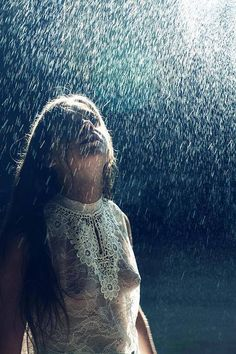 It never rains in California but girl don't they warn u https://www.facebook.com/photo.php?fbid=1069213733091682&set=a.186862107993520.47688.100000091965126&type=1&theater https://www.facebook.com/ginger.lee.5243