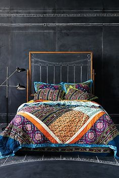 Simple bohemian bedroom ideas simple with chalkboard wall decor and drawn headboard ideas plus typical bedding Boho Chic Bedroom, Bohemian Bedrooms, Bedroom Decor, Bedroom Ideas, Boho Room, Girl Bedrooms, Bedroom Designs, Master Bedroom, Bedroom Wall