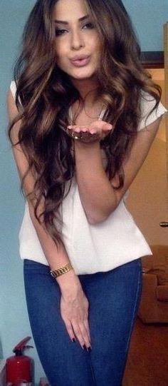 Love wavy hair style! #blwhairextensions #longwavyhair