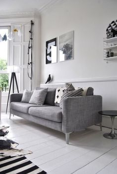 Living in black and white... home decor with style