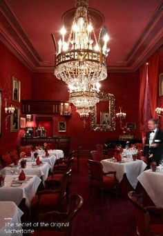Must bring mom to taste her fave cake in its original place Sacher Hotel, Vienna