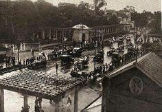 Década de 20 - Avenida Paulista na altura do Parque Trianon, à esquerda na foto. Em frente, do outro lado da avenida, temos o Belvedere Trianon.