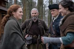 """Did everyone recover from STARZ series Outlander season 4 episode No? Well, hopefully some of episode 9 """"The Birds & The Bees"""" will make up for the Claire Fraser, Jamie Fraser, Jamie And Claire, Fraser Clan, Serie Outlander, Outlander Casting, Outlander Funny, Outlander Knitting, Outlander Quotes"""