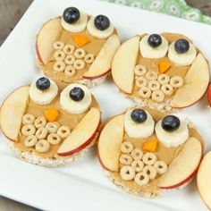 most up-to-date pictures Health for kids food crafts free, healthy snacks and fun food, Fun Food For Kids: Owl Rice Cakes, peanut butter and fruit. Owl Snacks, Cute Snacks, Healthy Snacks For Kids, Cute Food, Good Food, Yummy Food, Kids Fun Foods, Healthy Classroom Snacks, Kid Food Fun
