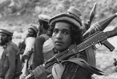 Mujahideen fighters late in the Soviet War in Afghanistan, 1988