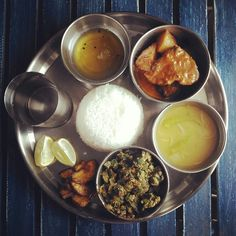 Bengali rohu fishthali Indian Meal, Indian Food Recipes, Ethnic Recipes, Palak Paneer, Cravings, Lunch, Plates, Meals, Power Supply Meals