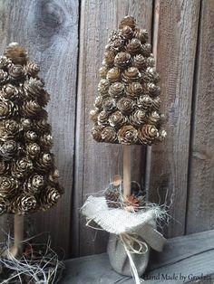 Natural Christmas, Christmas Flowers, Christmas Time, Christmas Wreaths, Christmas Decorations, Holiday Decor, Christmas Ideas, Xmas Crafts, Fun Crafts