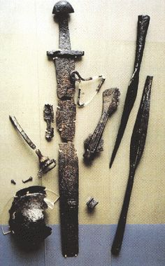 Ancient weapons and armor on Pinterest | Weapons, Vikings ...