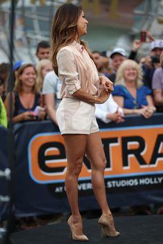 Sexy Star-Beine: Eva Longoria Die Beine von Eva Longoria hätten wir auch gerne: Wohldefiniert mit genau der richtigen Menge Muckis und zart gebräunt. Und wenn wir sie hätten, würden wir sie bestimmt auch mit so einem heißen Outfit betonen, wie es Eva am 20. September 2013 bei der Outdoor-Aufzeichnung einer TV-Sendung in Los Angeles machte.