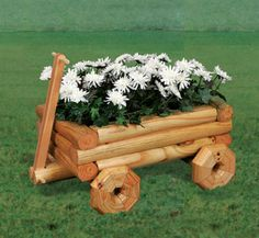 Landscape Timber Wagon Planter Wood Pattern Turn low cost landscape timbers into this adorable little planter! #diy #woodcraftpatterns