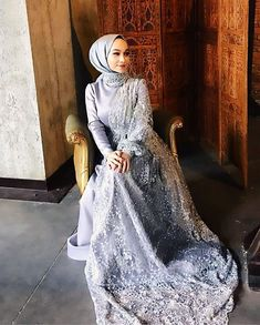 last year today ✨ Hijab. The very word conjures up images of gorgeous Musli. Muslim Fashion, Modest Fashion, Asian Fashion, Hijab Fashion, Wedding Hijab, Wedding Dresses, Hoco Dresses, Homecoming Dresses, Muslim Gown