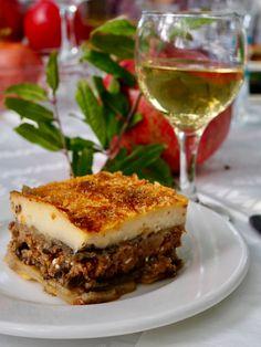 Moussaka Moussaka, I Foods, Lasagna, Sandwiches, Ethnic Recipes, Photos, Kitchens, Pictures, Paninis