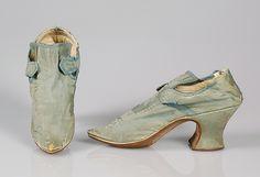 Heeled Pompadour shoes .http://americanduchess.blogspot.com/2013/09/8-reasons-to-love-new-american-duchess.html