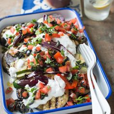 Summer nights call for fresh vegetables chargrilled on the BBQ to smokey deliciousness! This vegetable salad is the perfect accompaniment to BBQ meat. Bbq Vegetables, Grilled Vegetables, Vegetarian Recipes, Cooking Recipes, Healthy Recipes, Diabetic Recipes, Diet Recipes, Feta, Olives
