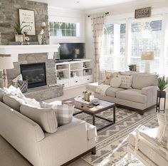 33 Perfect Farmhouse Sofa Table Ideas To Decorating Your Living Room A couch table is an incredible method to upgrade space and include stature, and also brightening contacts, to your couch […] Diy Home Decor Living Room, Living Room Remodel, Living Room Sofa, Apartment Living, Living Room Designs, Living Rooms, Cozy Apartment, Barn Living, Basement Apartment
