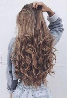 Flipped Out Straight Hair - 30 Best Hairstyles for Long Straight Hair 2019 - The Trending Hairstyle Curls For Long Hair, Long Curly Hair, Wavy Hair, Dyed Hair, Beautiful Long Hair, Gorgeous Hair, Brown Blonde Hair, Hair Highlights, Balayage Hair