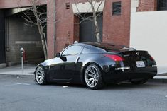 Concave wheels on a black 350z
