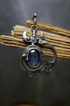 Smůložer Blů s kyanitem z Brazílie Blues, Brooch, Jewelry, Fashion, Brooch Pin, Jewellery Making, Moda, Jewels, Fashion Styles