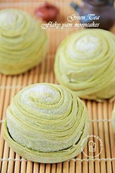 抹茶芋头酥 matcha green tea yam filling flaky mooncakes. Teochew style thousand layer
