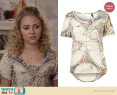 Carrie's map graphic tee on The Carrie Diaries. Outfit Details: http://wornontv.net/26774 #TheCarrieDiaries #fashion