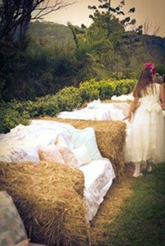 Hay bale sofas for outdoor parties, perhaps a wedding garden party? Farm Wedding, Dream Wedding, Wedding Rustic, Wedding Reception, Wedding Seating, Tipi Wedding, Wedding Country, Country Weddings, Wedding Dresses