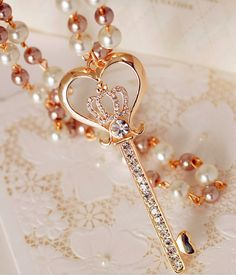 pearl crown key necklace