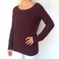 Cable sweater Oversized cable sweater in burgundy with grey weave • zipper detail on the right side • soft and warm BB Dakota Sweaters
