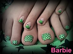 Kermit Nails - Cute nail design of Kermit the Frog, the most famous muppet from The Muppet Show.