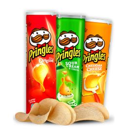 A Pringles canister makes a great cylinder-shaped candle mold. Pringles Dose, Pringles Can, Lunch Snacks, Yummy Snacks, Snack Recipes, Snack Bags, Pringle Flavors, Sour Cream And Onion, Candle Molds
