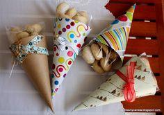 Galletitas de canela y jengibre e idea para regalar Bake Sale Packaging, Popcorn Packaging, Cupcake Packaging, Food Box Packaging, Fun Cupcakes, Cupcake Cakes, Ideas Aniversario, Cookie Tutorials, Craft Markets