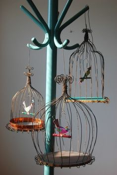 Cloches en grillage poule zinc m tal fil de fer for Cages a oiseaux decoratives