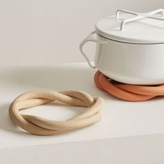 Home Decor Ideas Boho Virginia Sin Ceramic Twist Trivet.Home Decor Ideas Boho Virginia Sin Ceramic Twist Trivet Ceramic Bowls, Ceramic Pottery, Stoneware, Slab Pottery, Ceramic Decor, Pottery Vase, Ceramic Mugs, Diy Clay, Clay Crafts